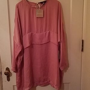 Pink flowy dress with tags